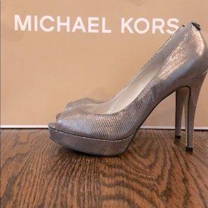 Michael Kors Heels size 7.5 silver metallic pumps